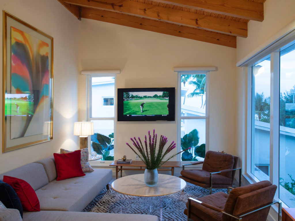 Tavernier Key Guesthouse with mid-century and modern furnishings